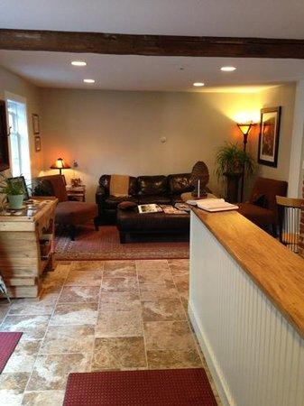 Abalonia Inn : Office sitting area