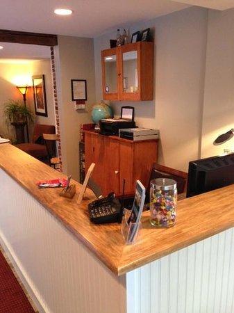 Abalonia Inn : Office desk