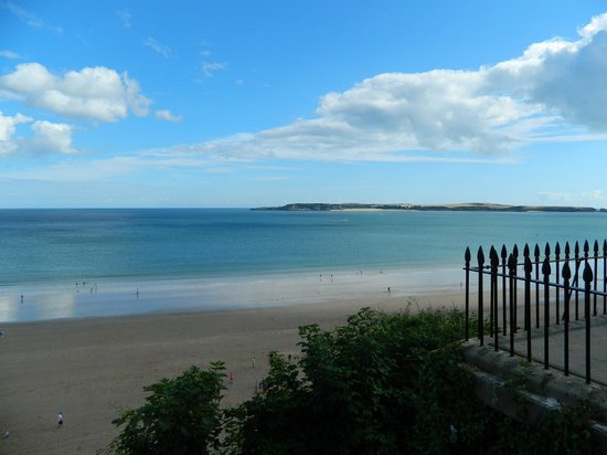Clement Dale Guest House: Tenby Beach