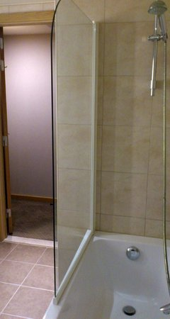 Novotel Brussels Midi Station: combined shower tub Hotel Cascade Midi Brussels