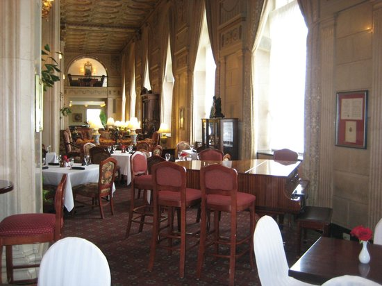 The Brown Hotel: Lobby Bar