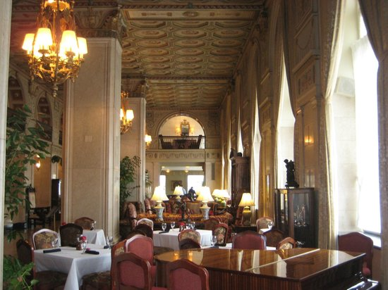 The Brown Hotel: Lobby