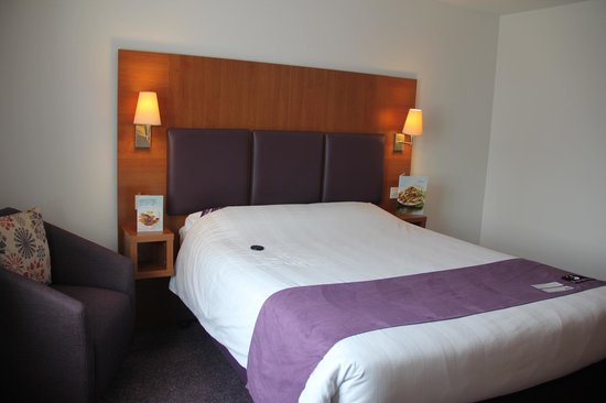 Premier Inn Swansea City Centre Hotel: Room