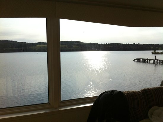 Duck Bay Hotel & Marina: Loch views from our bridal suite