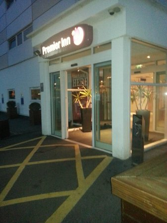 Premier Inn Manchester Airport (M56/J6) Runger Lane South: what is the