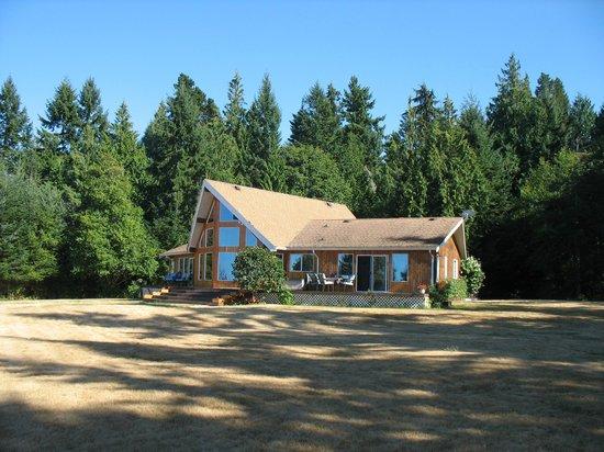 Eagle Landing Bed and Breakfast: Haus mit Grundstück