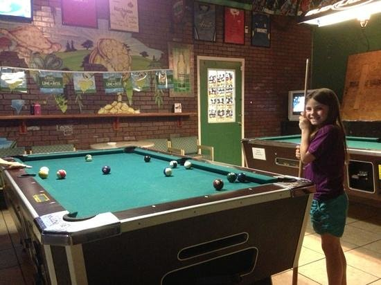 Murphy's Arms Pub: pool tables