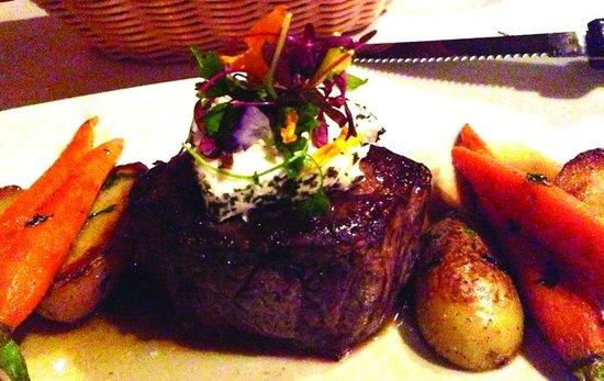 Encore Dinner Theatre: Filet of Beef