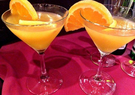 Encore Dinner Theatre: Drinks