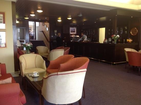 Royal Porthcawl Golf Club: bar/ lunch area