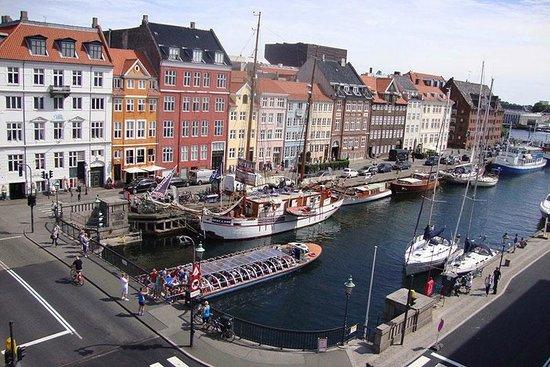 Somandshjemmet Bethel: Nyhavn canal view from our corner room!