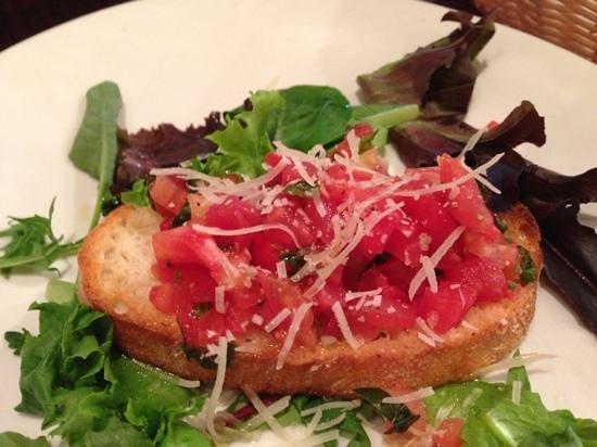 Maurizio's: bruschetta appetizer (4 per order)