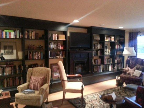 Casa Breeze Inn: 2nd Story Sitting Room