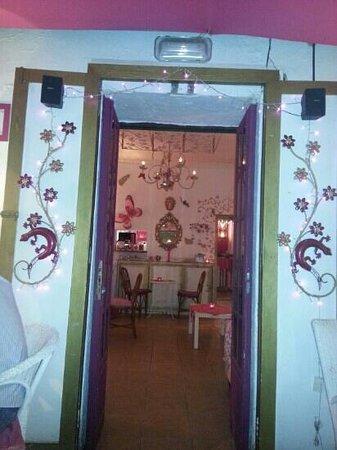 Bouganville Bar: Entrance