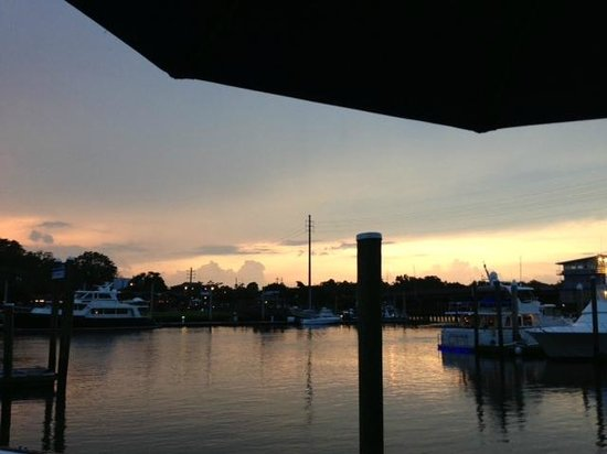 Bluewater Waterfront Grill: View from our table at sunset