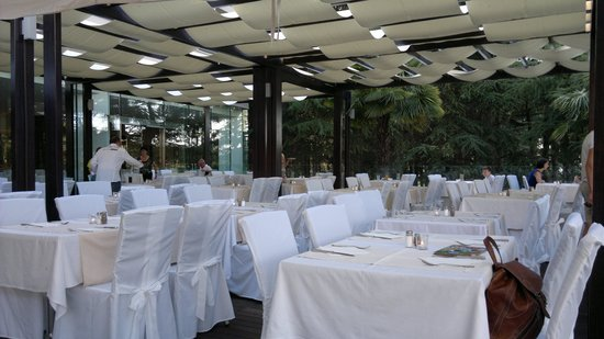 Hotel Laguna Mediteran: The outside terrace set for gala dinner