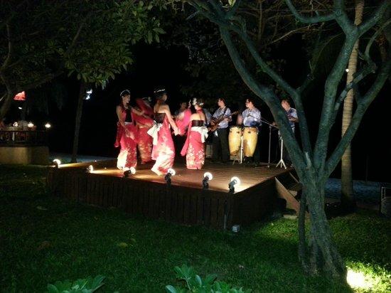 Centara Grand Beach Resort Samui: Thai night with Thai dancing