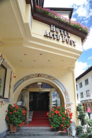 Hotel Alte Post: Main entrance