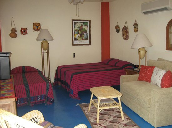 Casa Tuscany Inn: Firenze features a queen and an single bed