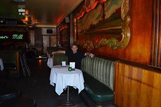 Green Mill: Al Capone's booth!