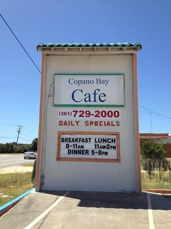 Copano Bay Cafe: Best hamburgers in town!