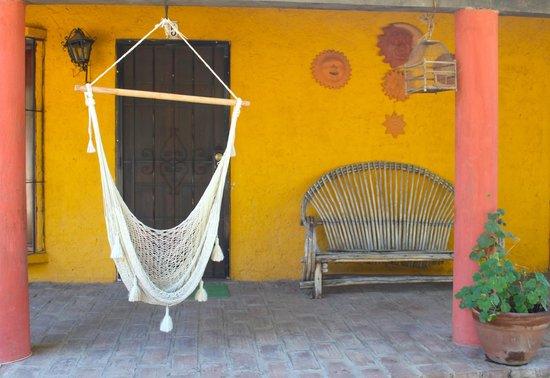 Rancho Los Chabacanos: Fuera de los cuartos