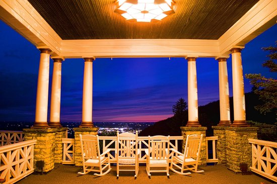 Historic Summit Inn: Sunset from the Veranda