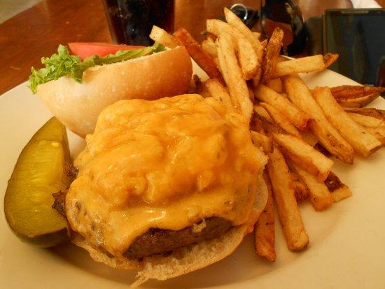 Captain Benders Tavern: Crab Burger Special