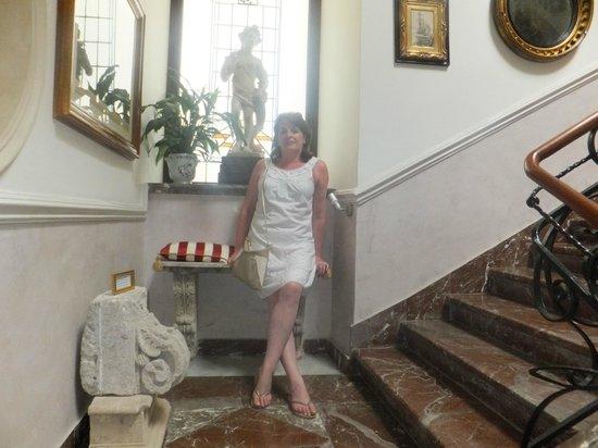 Hotel Villa Taormina: the beautiful ornate stairway