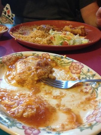 La Fiesta Mexican Restaurant & Lounge: Super Yummy!