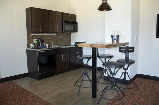 Peachy Kitchenette Area Bar Stools Are Pretty High Picture Of The Beatyapartments Chair Design Images Beatyapartmentscom
