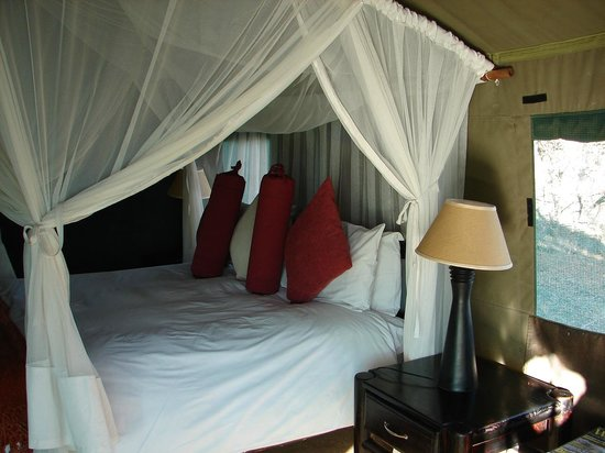 Haina Kalahari Lodge: Cama