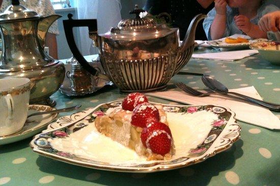 Biddy's Tea Rooms: Naughty treats