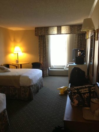 Holiday Inn Burbank: room