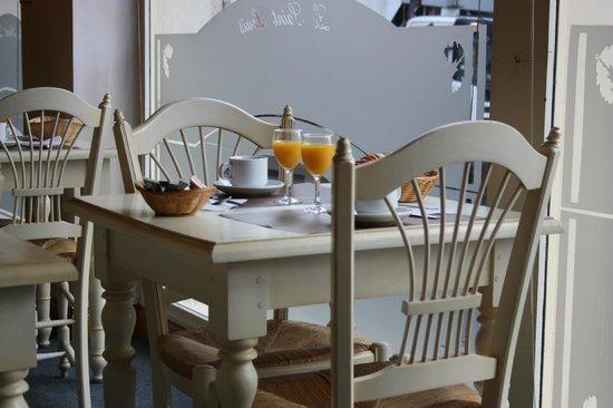 Hotel Le Saint Louis: desayuno