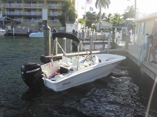 Harborside Motel & Marina : Boat slips