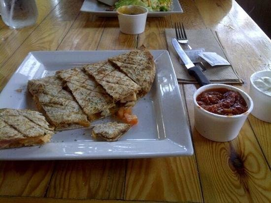 Where to Eat in Fenelon Falls: The Best Restaurants and Bars