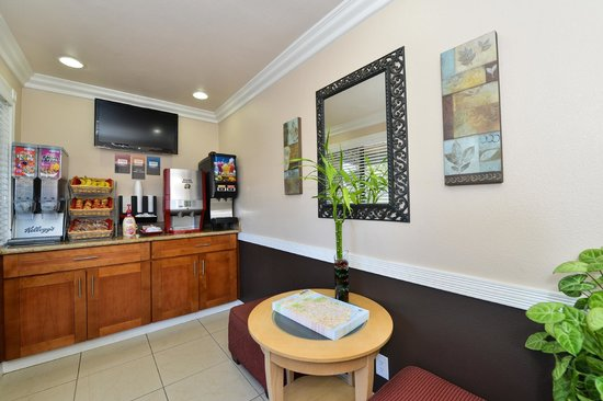 Americas Best Value Inn & Suites - San Francisco Airport: Lobby
