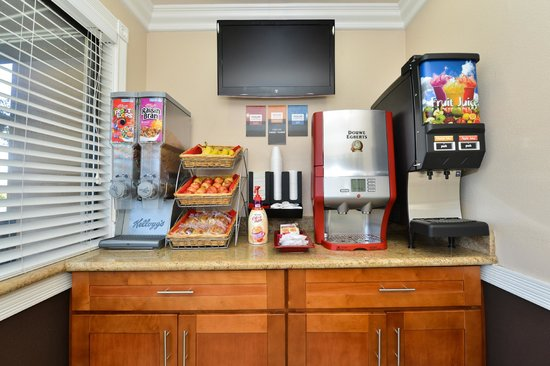 Americas Best Value Inn & Suites - San Francisco Airport: Breakfast Area