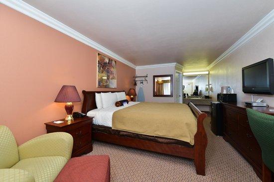 Americas Best Value Inn & Suites - San Francisco Airport: One King Bed Mini Suite