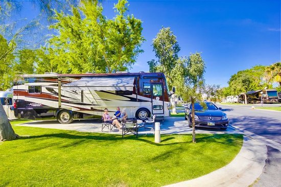 Emerald Desert RV Resort : Sites
