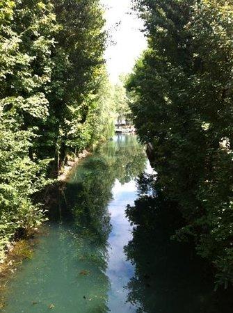 Sassabanek: vista dal pontile d'ingresso