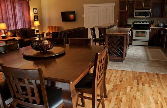 Rocky Brook Cabins: Jean's Lodge