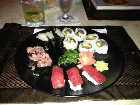 Yolo | Fusion Cuisine and Sushi Lounge: Sushi - all you can eat