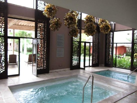 Sanctuary Cap Cana by AlSol: hydro therapy in the spa