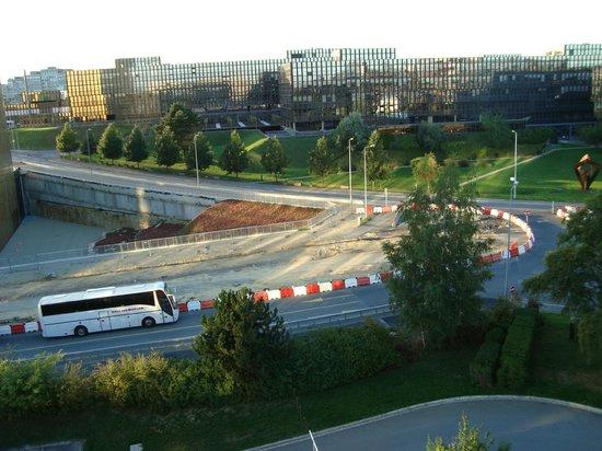 Novotel Luxembourg Kirchberg: Vista do apartamento