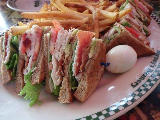 Barney's Beanery : sandwich