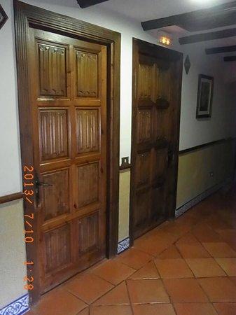 Hotel Maria Cristina: ドア