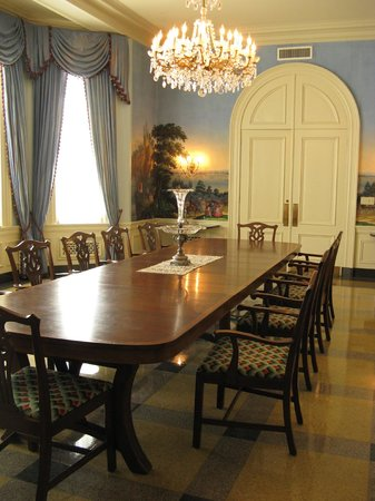 dining room at la's old governor's mansion - picture of the old