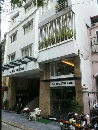 La Belle Vie Hotel: front